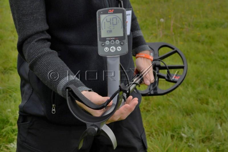 Rent Minelab Equinox 600 Metal Detector
