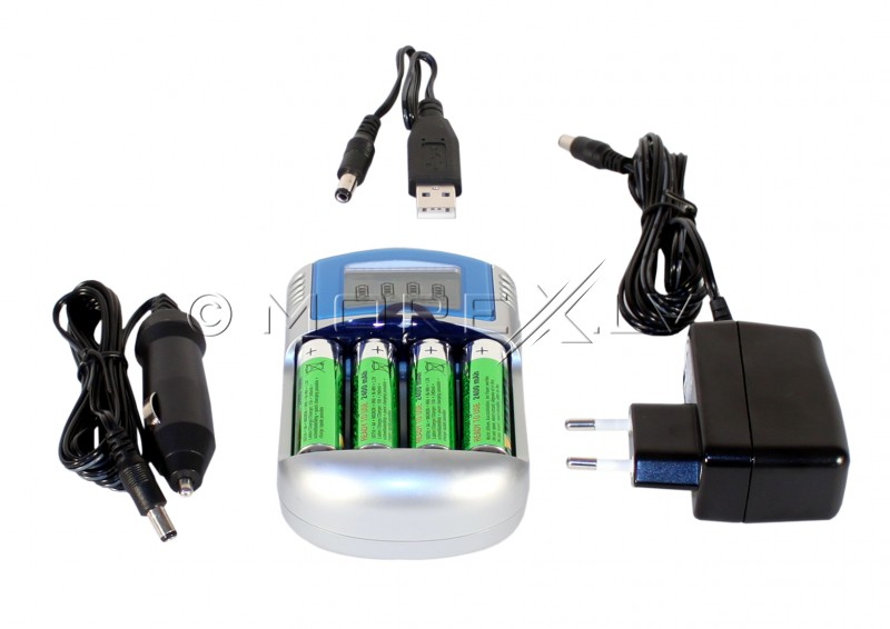 Makro AC & Car Charger4 x AA Rechargeable Batteries